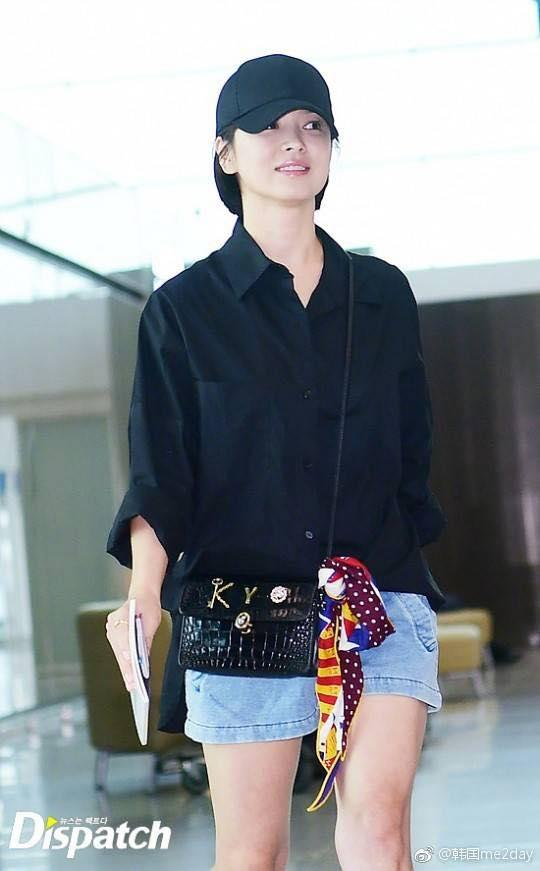Xuống tóc ngày càng ngắn, Song Hye Kyo xuất hiện với vẻ cá tính khác lạ-5