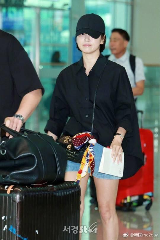 Xuống tóc ngày càng ngắn, Song Hye Kyo xuất hiện với vẻ cá tính khác lạ-8