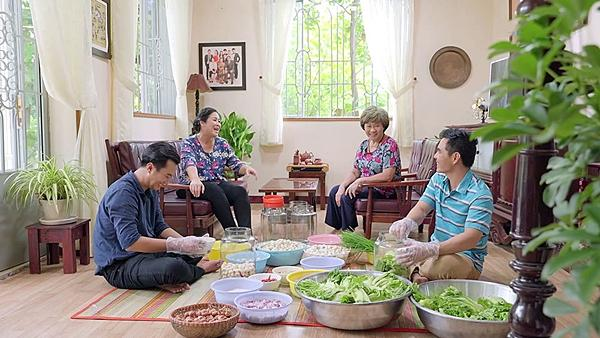 Gạo nếp gạo tẻ tập 50: Sau tất cả, bà mẹ vợ gớm ghê đã chịu đối đãi niềm nở với con rể-4