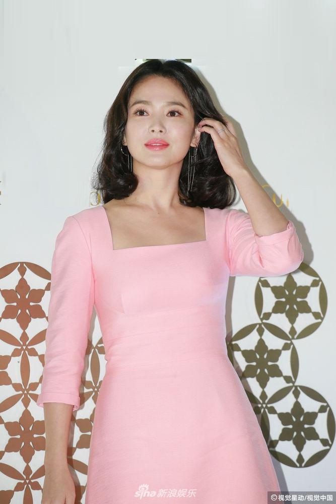 Song Hye Kyo luôn được khen xuất sắc nhưng đôi chân thô kệch dù làm mọi cách vẫn chẳng thể đẹp hơn-1