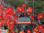 Rầm rầm khắp phố Hà Nội hát vang dù U23 thua-20