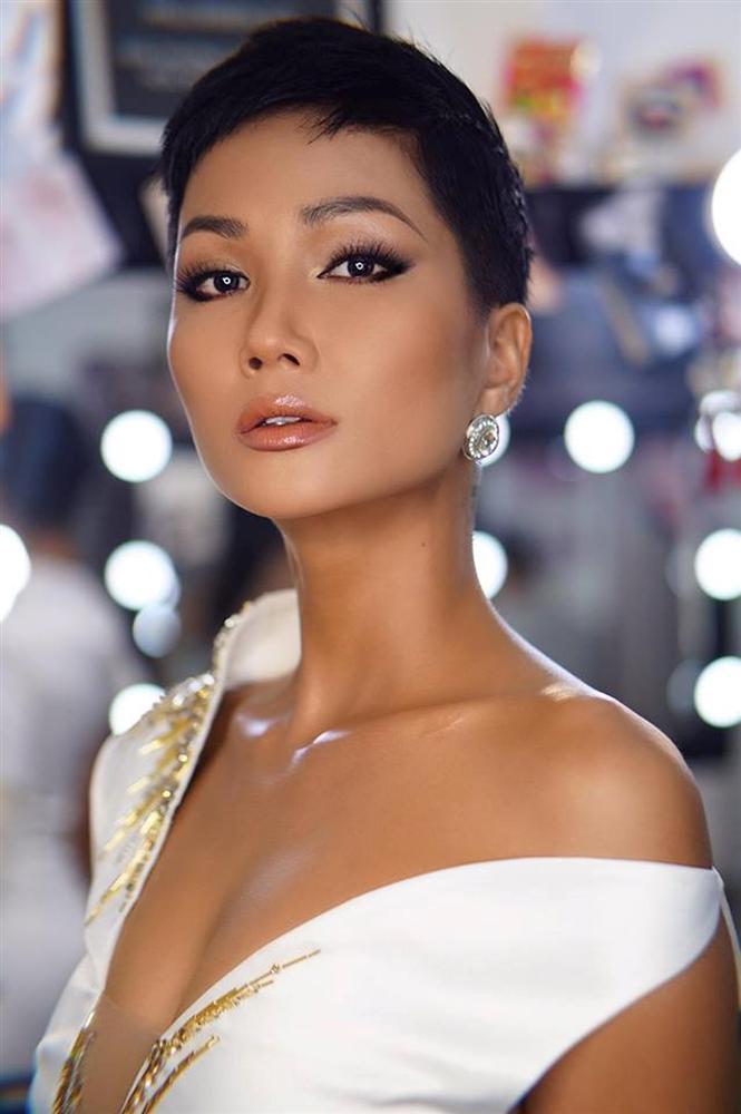 Mặc váy nhái HHen Niê, thí sinh Hoa hậu Chuyển giới Thái Lan 2018 gánh cái kết thảm hại-10