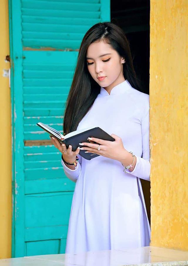 Gặp lại nữ sinh lai Việt - Trung bất ngờ nổi tiếng khi đi cổ vũ U23 Việt Nam-9