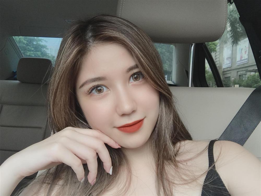 Minh Châu song kiếm hợp bích cùng hotgirl Phan Kim Cương cướp hit của Jaykii-2