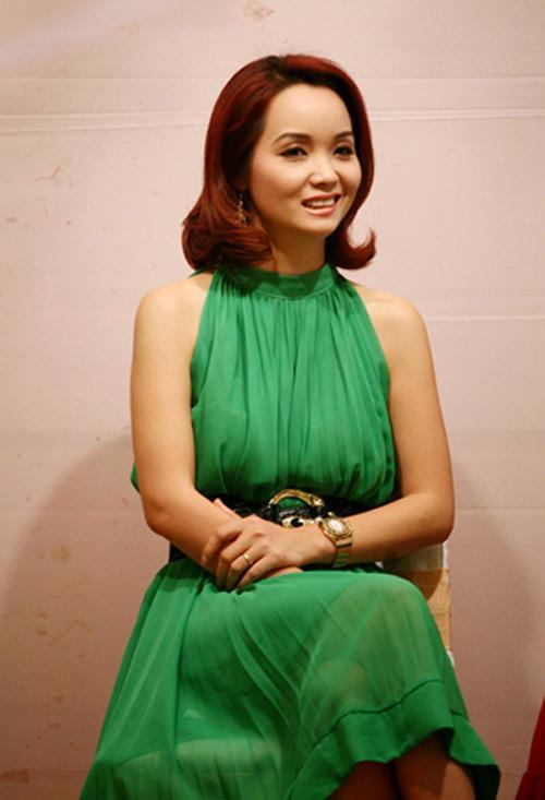 Xuất hiện với chiếc mũi xiêu vẹo, cô Trúc Mai Thu Huyền dính nghi án phẫu thuật thẩm mỹ hỏng-8