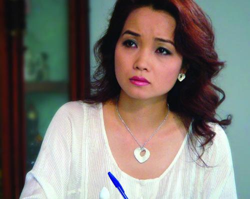 Xuất hiện với chiếc mũi xiêu vẹo, cô Trúc Mai Thu Huyền dính nghi án phẫu thuật thẩm mỹ hỏng-9