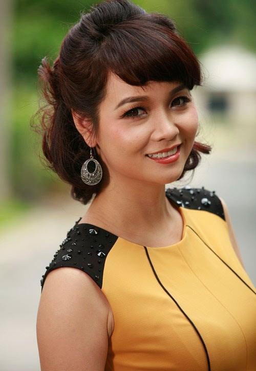 Xuất hiện với chiếc mũi xiêu vẹo, cô Trúc Mai Thu Huyền dính nghi án phẫu thuật thẩm mỹ hỏng-10