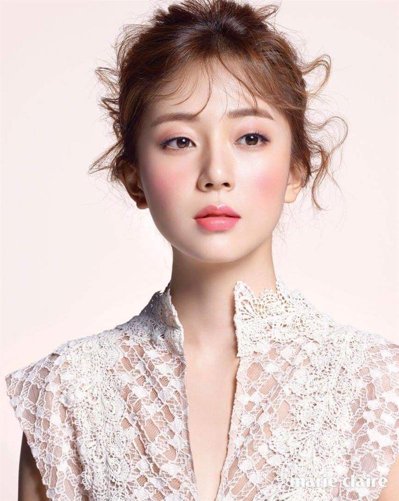 Suzy vượt mặt Kim Tae Hee trong cuộc bình chọn nhan sắc đẹp hơn ở ngoài đời thật-8