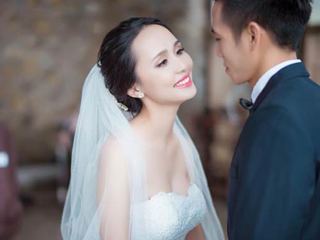 Hé lộ vợ xinh đẹp của đội trưởng Văn Quyết: Gia thế không phải dạng vừa, là chị vợ tương lai của trung vệ Đỗ Duy Mạnh-2
