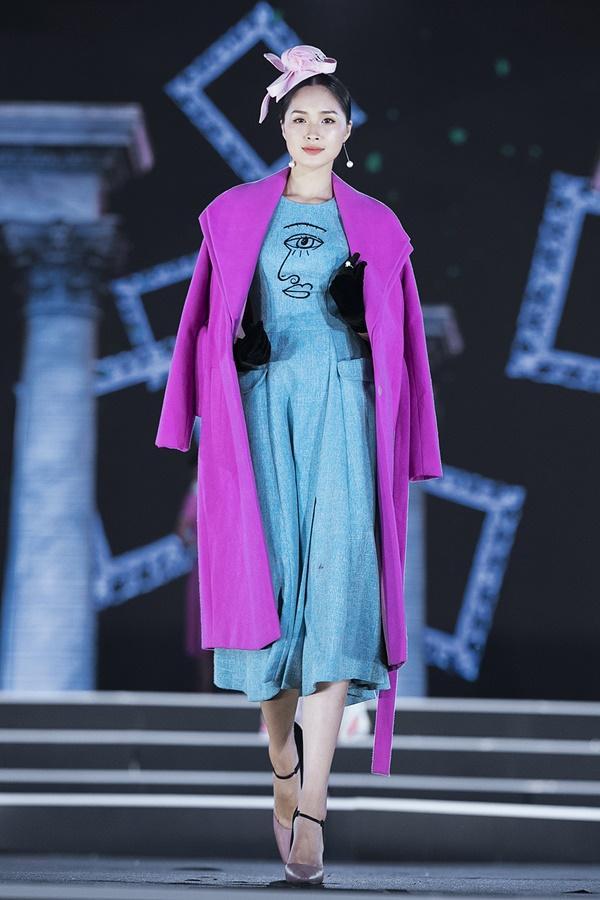 Lần đầu tiên, hoa hậu Kỳ Duyên nắm tay Đỗ Mỹ Linh công phá sàn catwalk-14