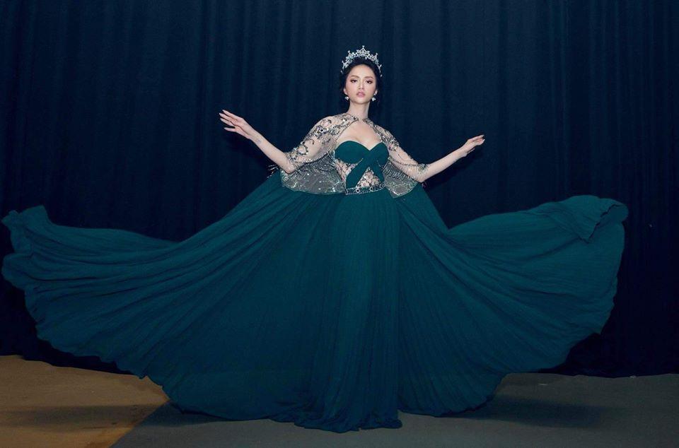 Học lỏm ngay bí kíp tạo dáng của hoa hậu Hương Giang để có được những bức ảnh ngàn like-1
