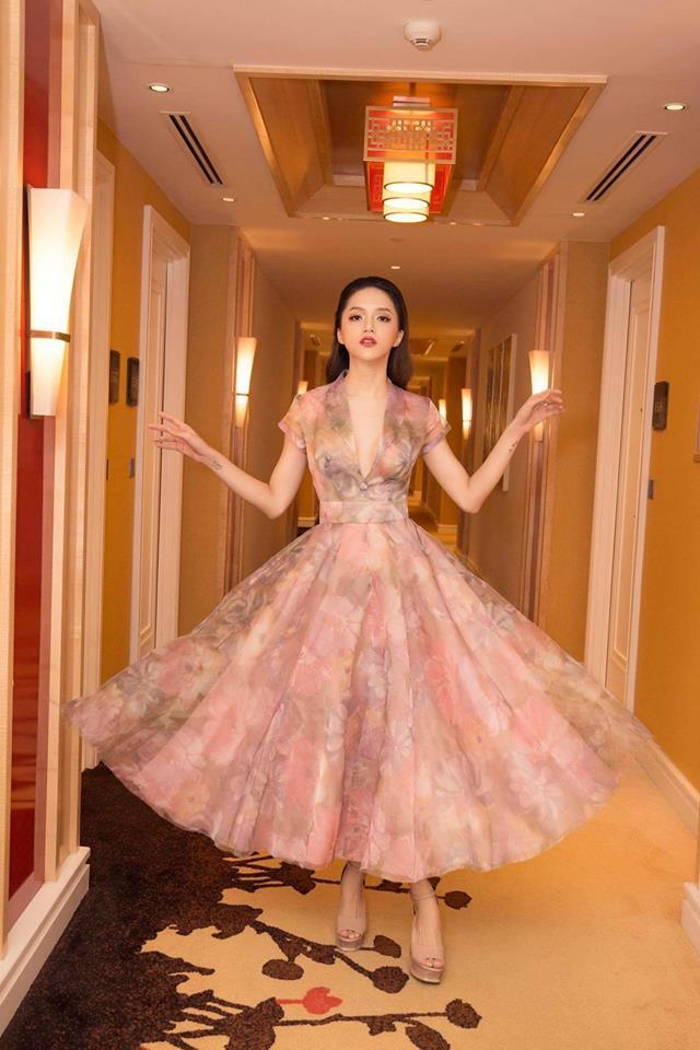 Học lỏm ngay bí kíp tạo dáng của hoa hậu Hương Giang để có được những bức ảnh ngàn like-7