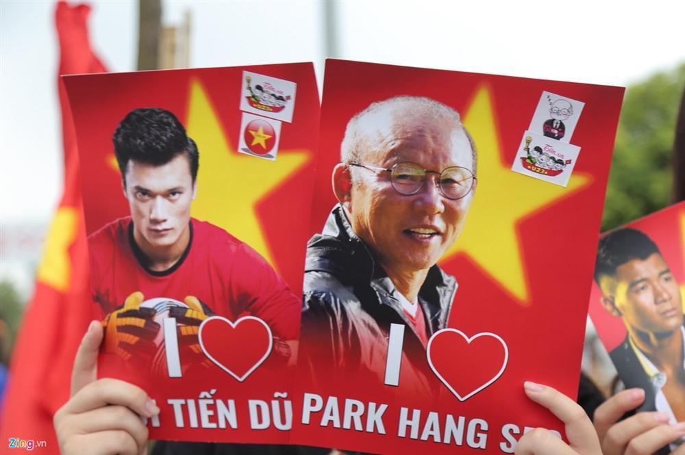 U23 Việt Nam bất ngờ đổi lịch trình di chuyển, nhiều fan mừng hụt vì không được gặp thần tượng-4