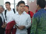 U23 Việt Nam đặt chân về nước: Người muốn ôm mẹ, người thèm ngồi xe cà tàng bố chở