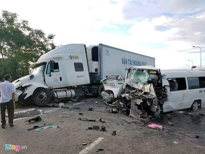 Hai ngày nghỉ lễ, 32 người chết vì tai nạn giao thông-1