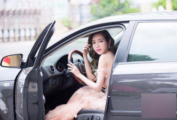 Các hot mom đình đám Elly Trần, Huyền Baby giàu cỡ nào?-4