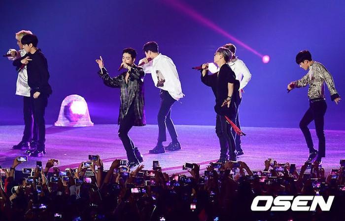 Hậu bế mạc ASIAD 2018: Fan của Super Junior bị xỉu - Dịch Dương Thiên Tỉ (TFBOYS) mệt mỏi, vội về nước nhập học-3