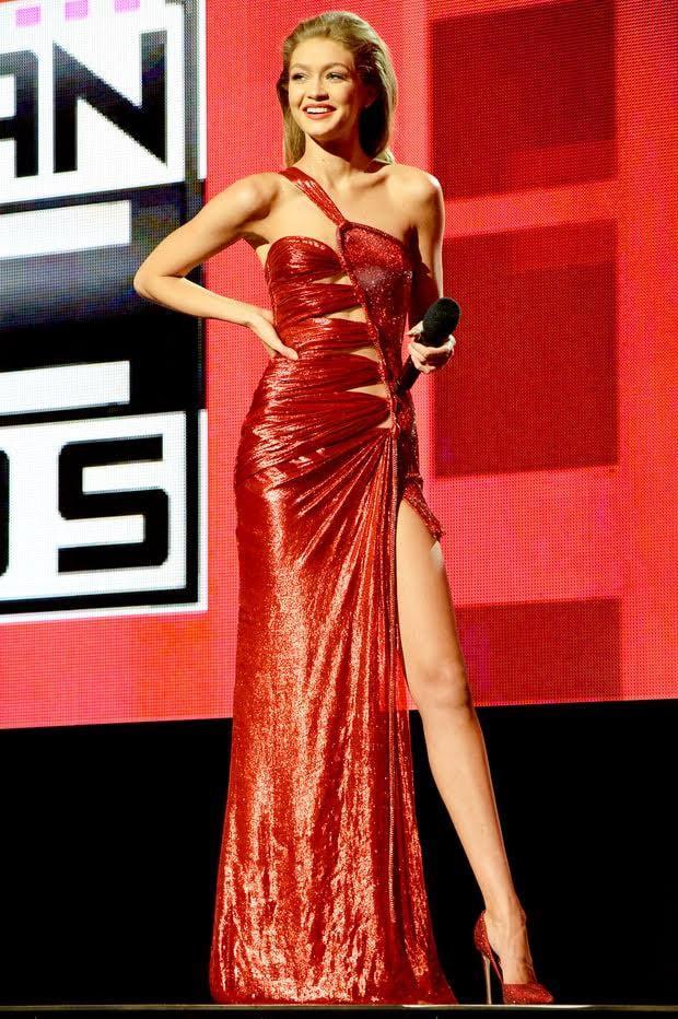 Bảo Anh diện váy nhái Versace từng được Gigi Hadid mặc cách đây 2 năm?-2