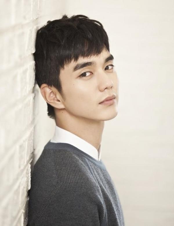 Nam thần vạn người mê Yoo Seung Ho tái xuất màn ảnh nhỏ cùng Jo Bo Ah trong phim truyền hình mới-2