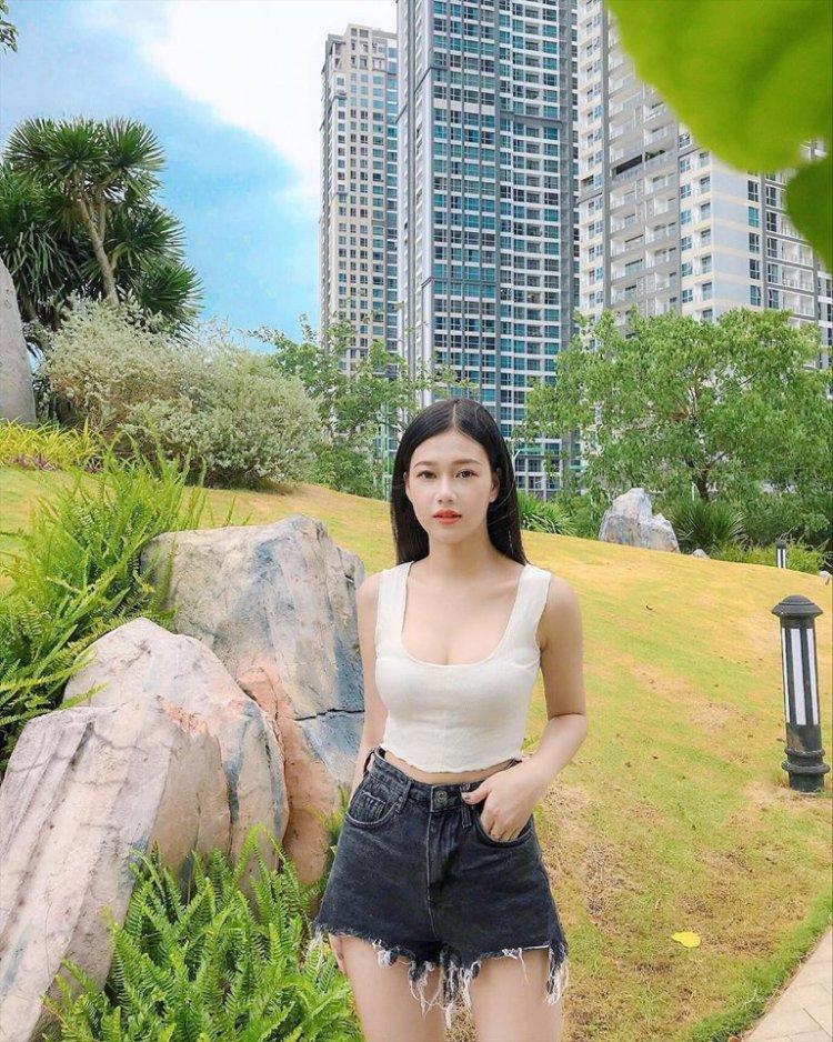 Cận mặt nhan sắc không phải dạng vừa và profile hoàn hảo bạn gái tin đồn của Hà Đức Chinh-7