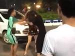 Nam thanh niên bị đưa về đồn cảnh sát vì màn đánh ghen nhìn gà hóa cuốc-4