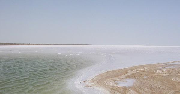 Sa mạc muối khổng lồ của Ấn Độ hút khách nhờ vẻ siêu thực-4