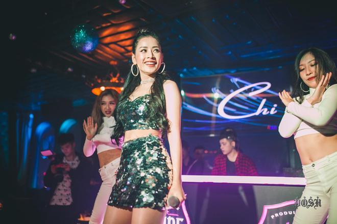 Chi Pu thả rông quằn quại trong đầm ren mỏng xuyên thấu, bắt chước gái hư Lolita khiến fan choáng váng-17