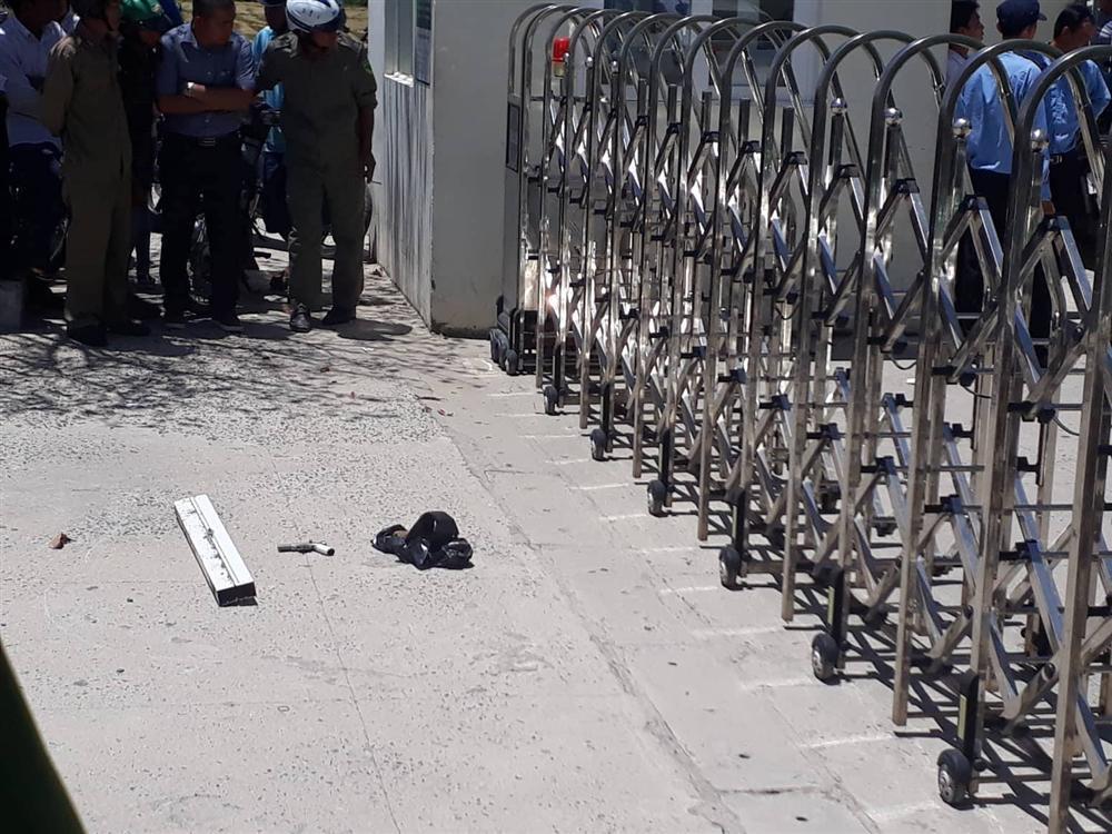 Hai thanh niên bịt mặt, nổ súng cướp ngân hàng ở Khánh Hòa-3