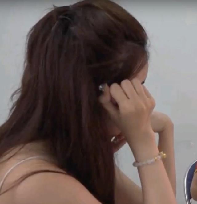 Trước khi vướng nghi án bán dâm nghìn đô, Thư Dung từng sở hữu danh sách dài đời tư tai tiếng-3