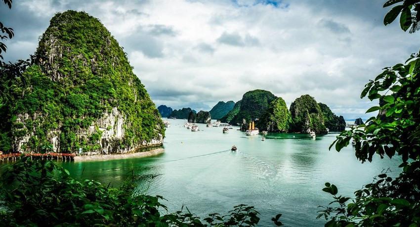 Top 14 địa điểm du lịch đẹp và hấp dẫn nhất Việt Nam bạn nên check-in 1 lần trong đời-12