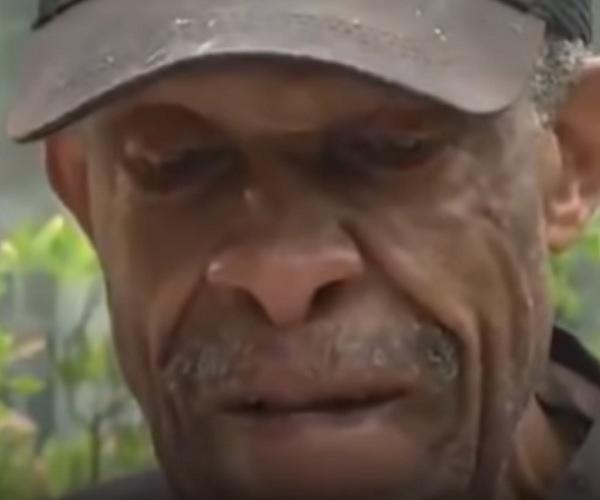 Người đàn ông 90 tuổi mỗi ngày đi 20km đến thăm vợ, chứng minh tình yêu luôn vĩnh cửu-3