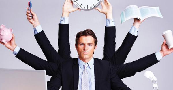 Nguy cơ thụt lùi trong công việc vì… quá tốt bụng-1