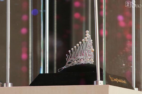 Đỗ Mỹ Linh: Tôi muốn đội vương miện hoa hậu thêm vài năm nữa-9