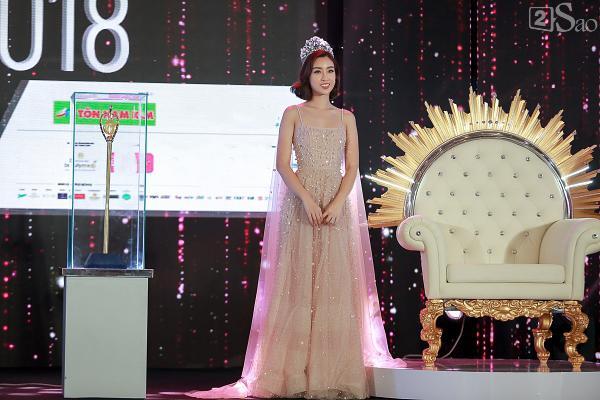 Đỗ Mỹ Linh: Tôi muốn đội vương miện hoa hậu thêm vài năm nữa-10