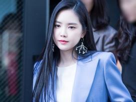 Fan tấm tắc khen ngợi: Chỉ có Naeun (Apink) mới có thể biến quần áo nhạt nhẽo trở nên tỏa sáng như thế