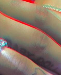 Mắt tròn mắt dẹt với bộ sưu tập hơn 20 hình xăm lớn nhỏ của Ariana Grande-11