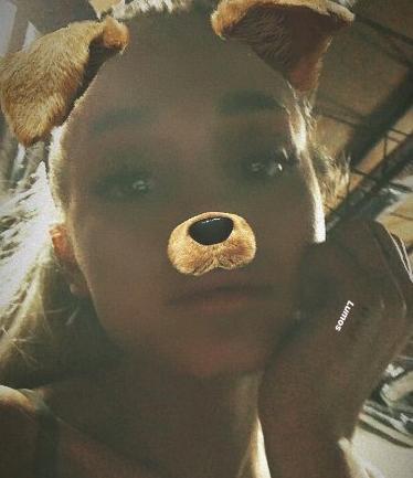 Mắt tròn mắt dẹt với bộ sưu tập hơn 20 hình xăm lớn nhỏ của Ariana Grande-18