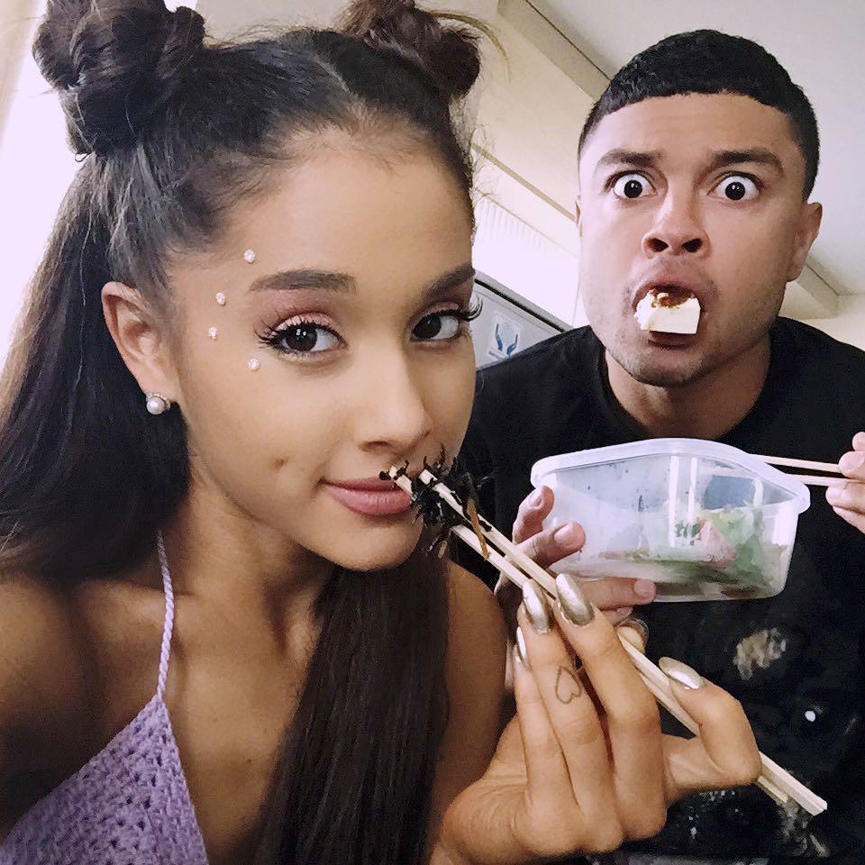 Mắt tròn mắt dẹt với bộ sưu tập hơn 20 hình xăm lớn nhỏ của Ariana Grande-8