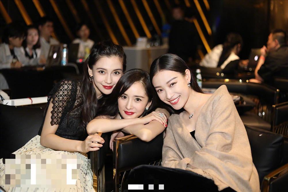 Kỳ lạ khi Dương Mịch và hội chị em showbiz Đường Yên, Lưu Thi Thi cứ chơi một thời gian là y như rằng cạch mặt-9