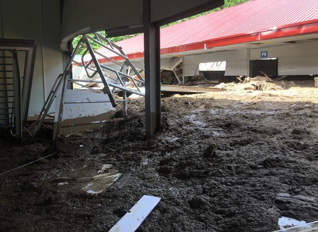 Thanh Hóa: Vừa ngủ dậy, lũ ập đến, gần 50 học sinh tháo chạy-2