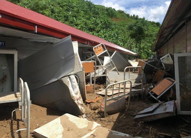 Thanh Hóa: Vừa ngủ dậy, lũ ập đến, gần 50 học sinh tháo chạy-9