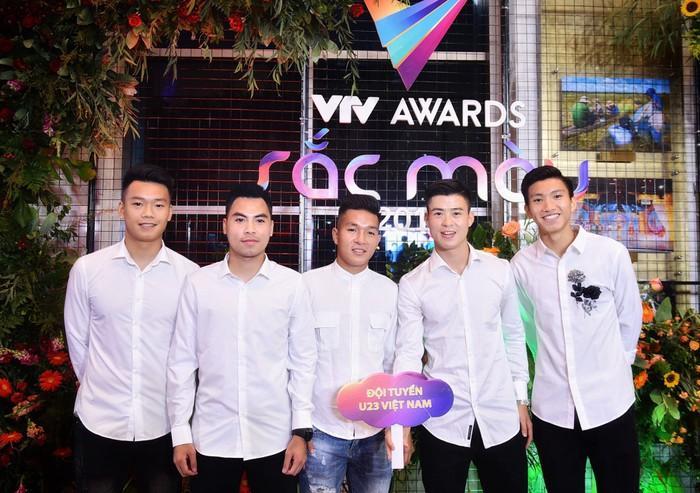 Nhã Phương, Bảo Thanh rạng rỡ trên thảm đỏ VTV Awards 2018-4