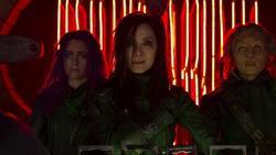 Dương Tử Quỳnh lên tiếng ủng hộ đạo diễn 'Vệ binh dải Ngân hà'