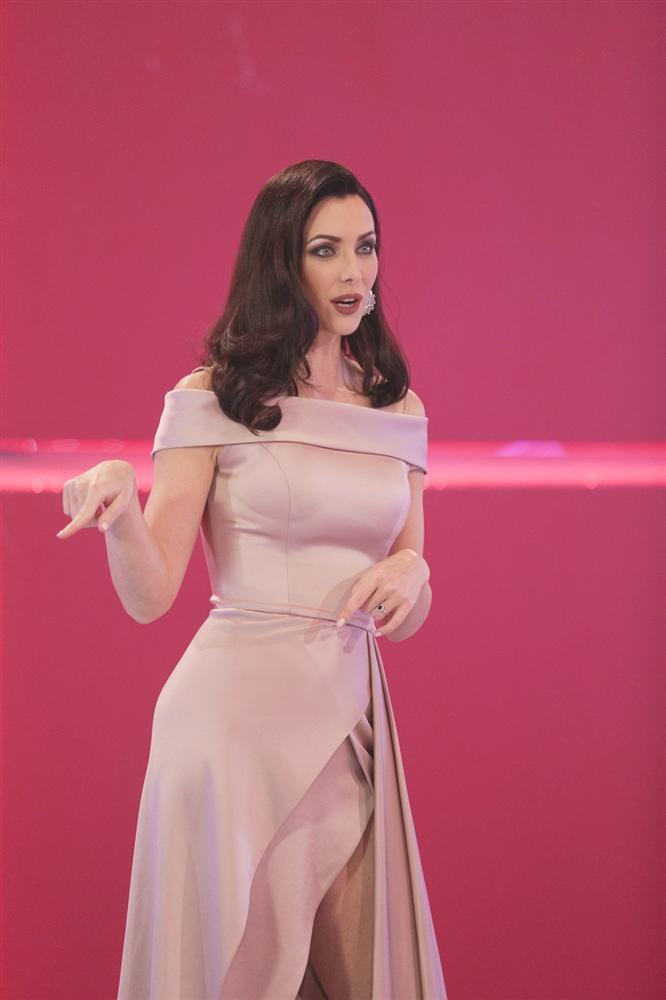 Không hổ danh Hoa hậu Hoàn vũ, Natalie Glebova vừa xuất hiện đã lấn át vẻ đẹp của Kỳ Duyên và Hương Giang-5