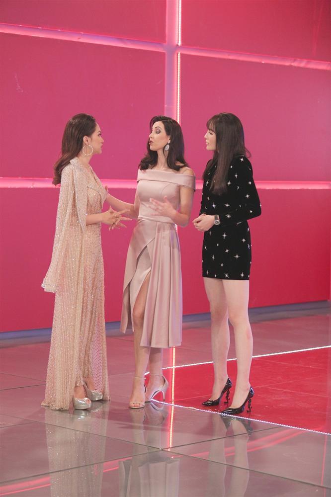 Không hổ danh Hoa hậu Hoàn vũ, Natalie Glebova vừa xuất hiện đã lấn át vẻ đẹp của Kỳ Duyên và Hương Giang-6