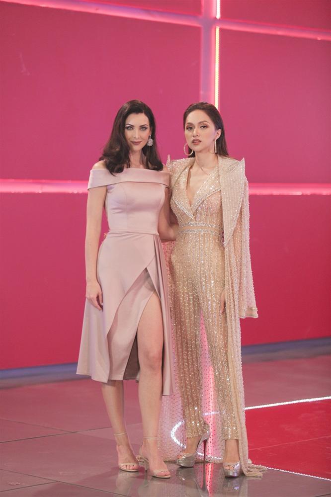 Không hổ danh Hoa hậu Hoàn vũ, Natalie Glebova vừa xuất hiện đã lấn át vẻ đẹp của Kỳ Duyên và Hương Giang-7