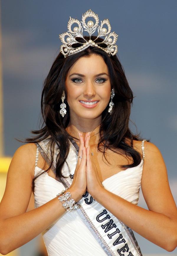Không hổ danh Hoa hậu Hoàn vũ, Natalie Glebova vừa xuất hiện đã lấn át vẻ đẹp của Kỳ Duyên và Hương Giang-9