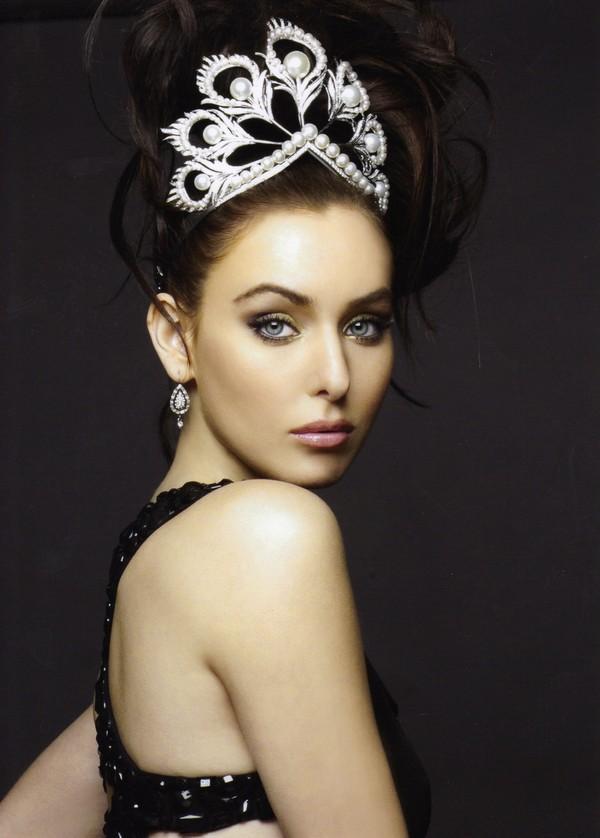 Không hổ danh Hoa hậu Hoàn vũ, Natalie Glebova vừa xuất hiện đã lấn át vẻ đẹp của Kỳ Duyên và Hương Giang-10