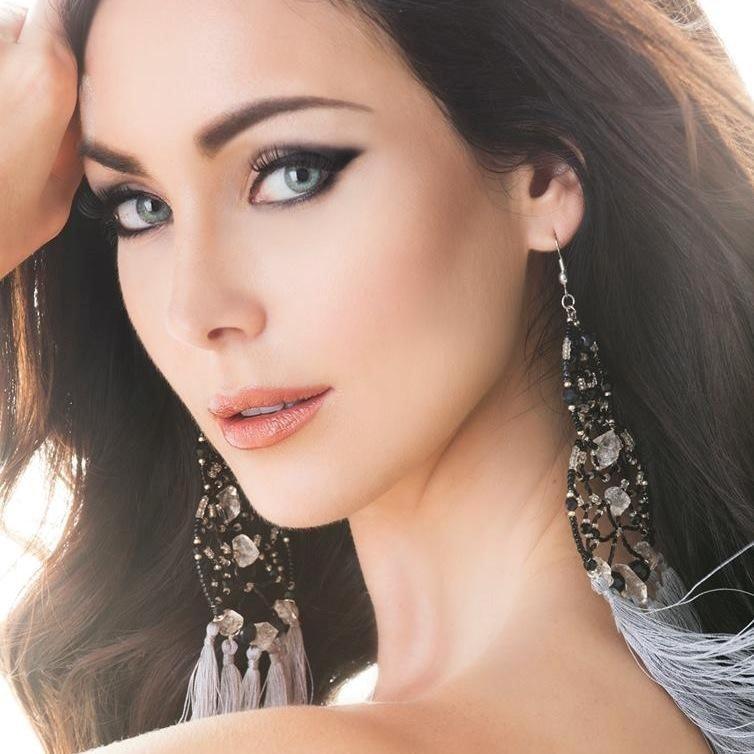 Không hổ danh Hoa hậu Hoàn vũ, Natalie Glebova vừa xuất hiện đã lấn át vẻ đẹp của Kỳ Duyên và Hương Giang-11