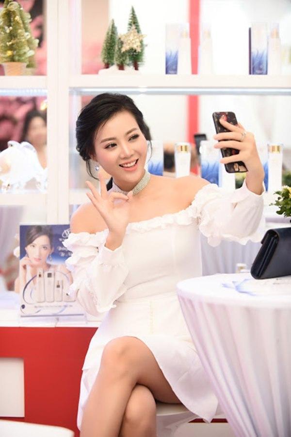 Gái ngành Quỳnh búp bê Thanh Hương cùng Bảo Thanh gây chú ý vì gương mặt khác lạ-3